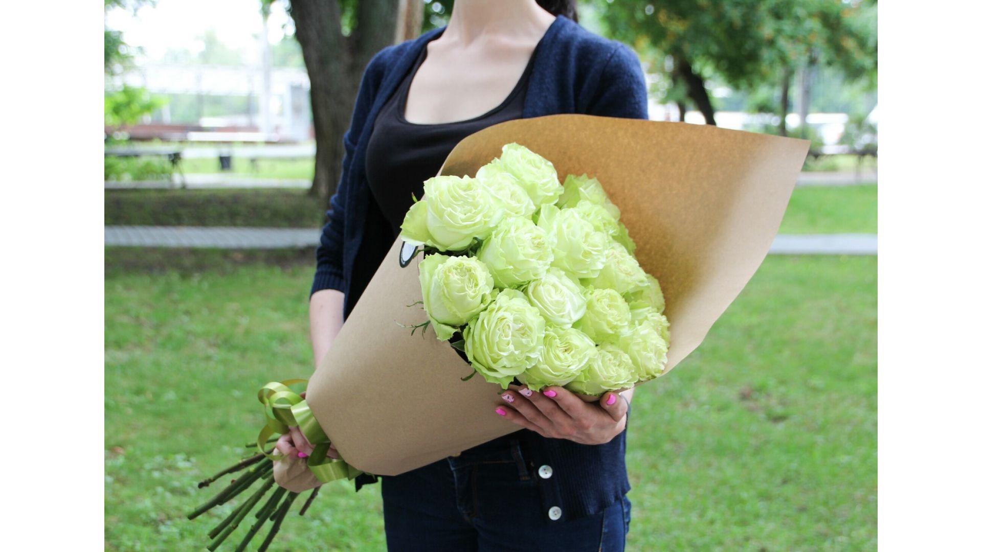 19 роз, Голландия с оформлением