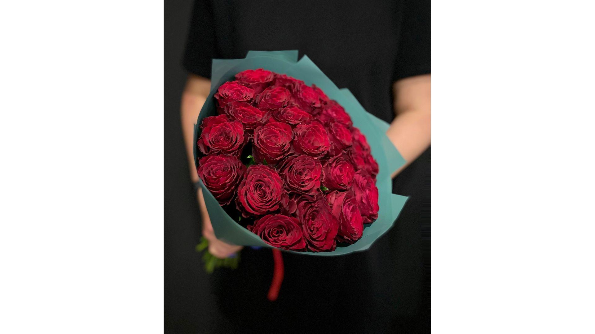25 роз, Кения с оформлением