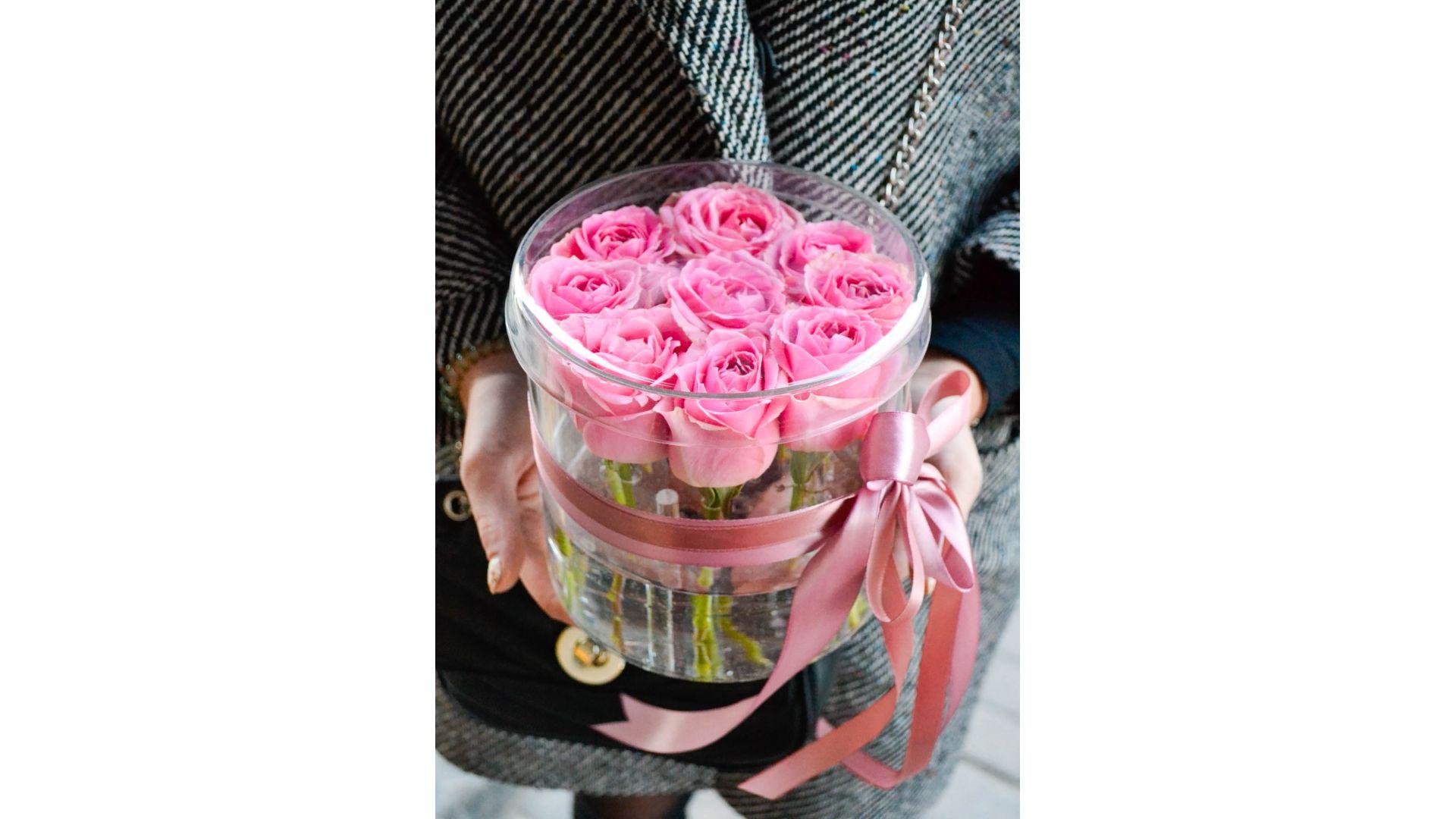 Розы в акриловой коробке #6