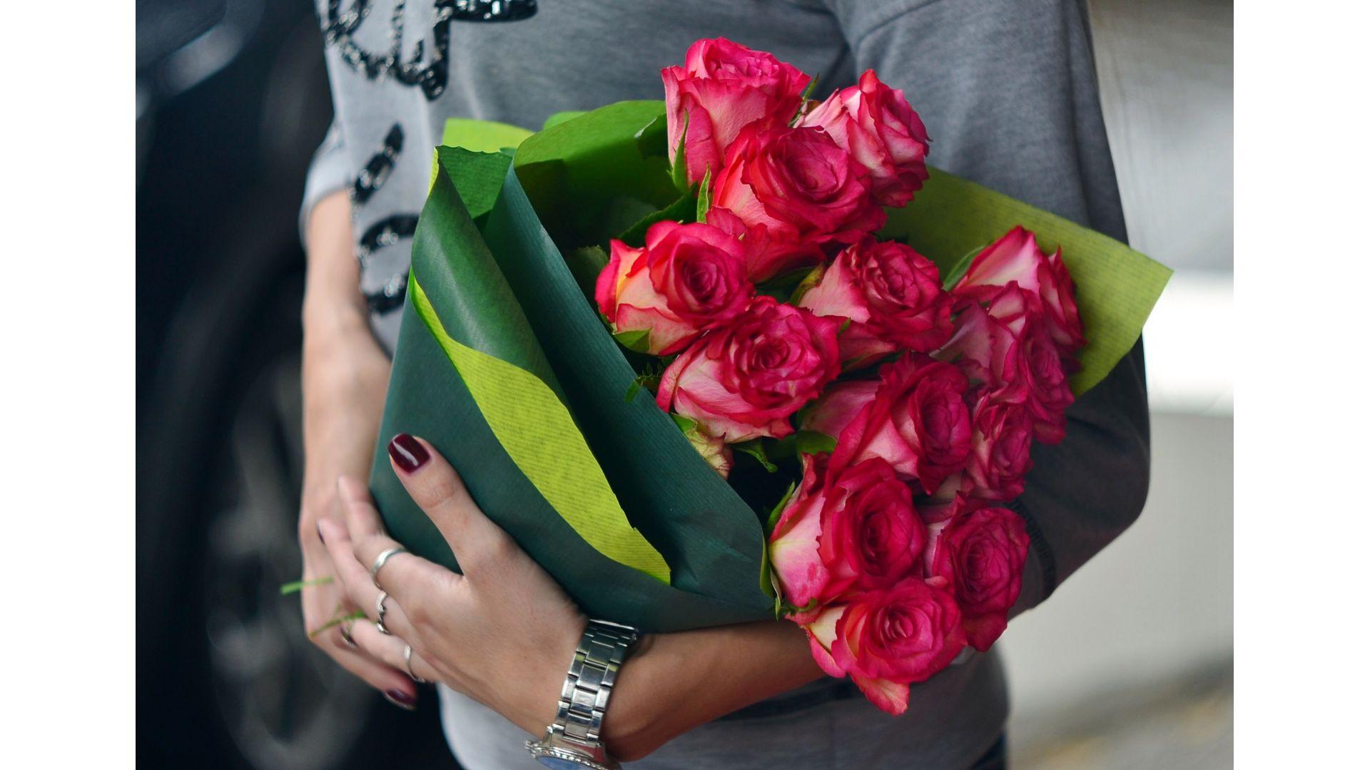13 роз, Голландия с оформлением