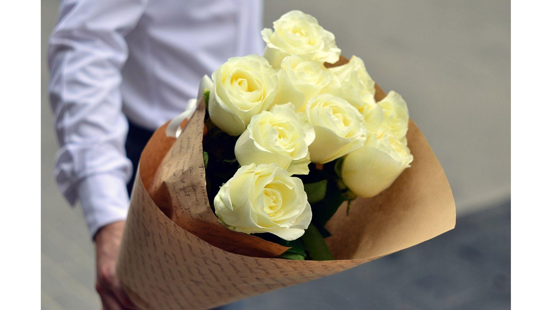 9 роз, Голландия с оформлением